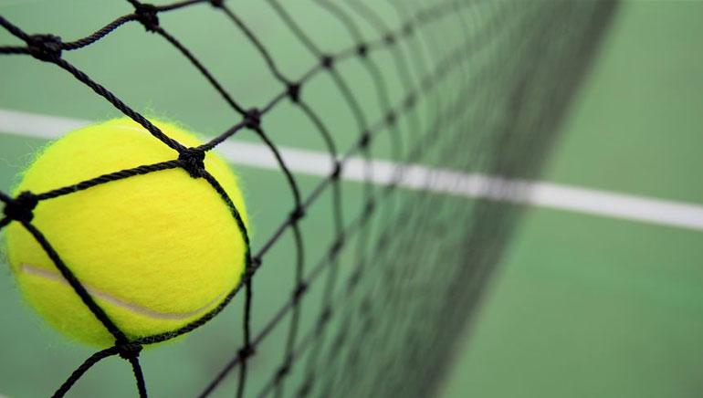 Une machine à sous sur le thème du tennis célèbre l'Open français
